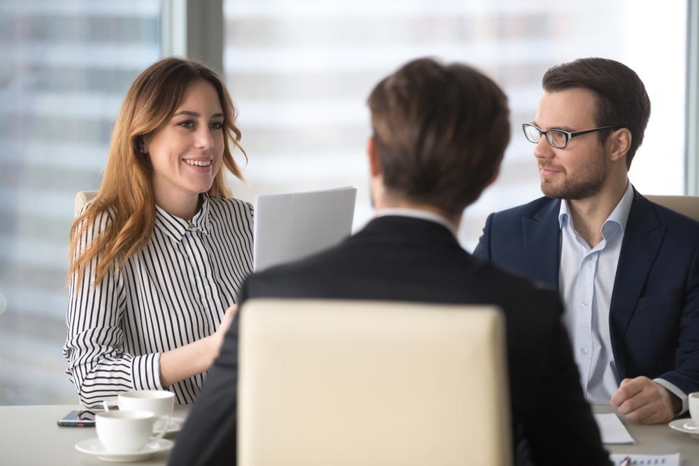 Cum te imbraci la o intalnire de afaceri. Reguli de asa da si asa nu